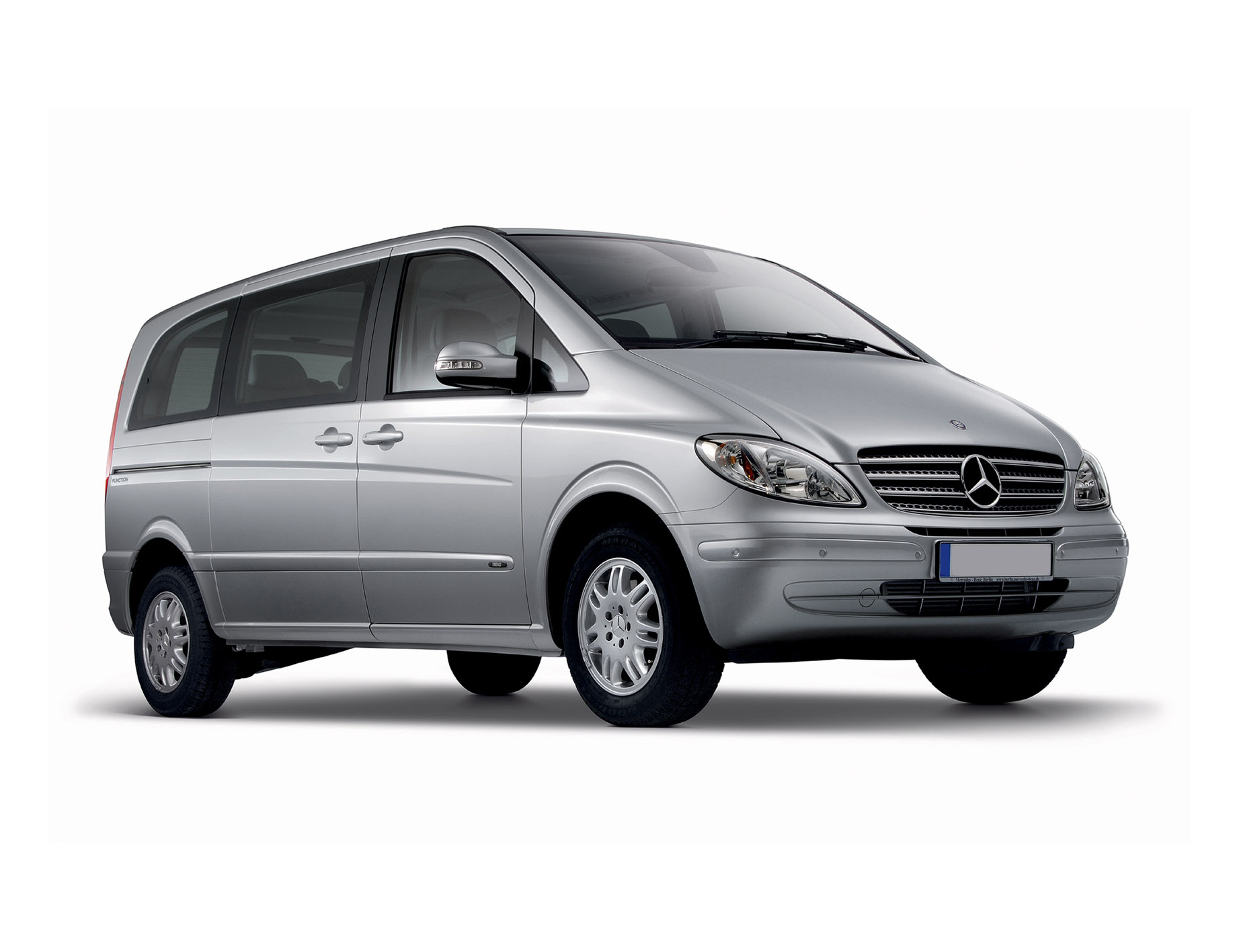 mpv hire mercedes vito mpv pavilion cars west sussex. Black Bedroom Furniture Sets. Home Design Ideas